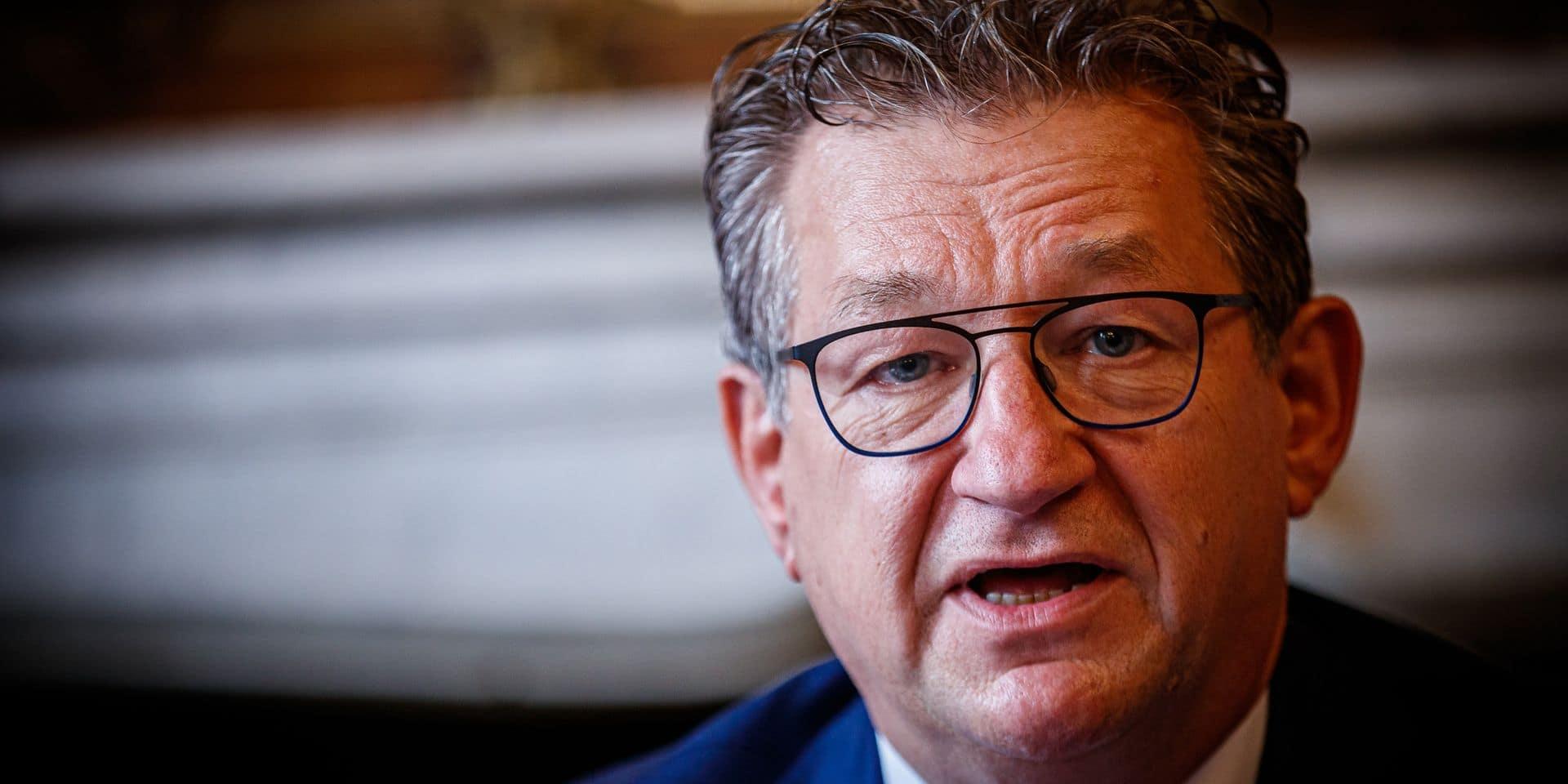 Le suspect interpellé pour l'agression du bourgmestre de Bruges reste en détention