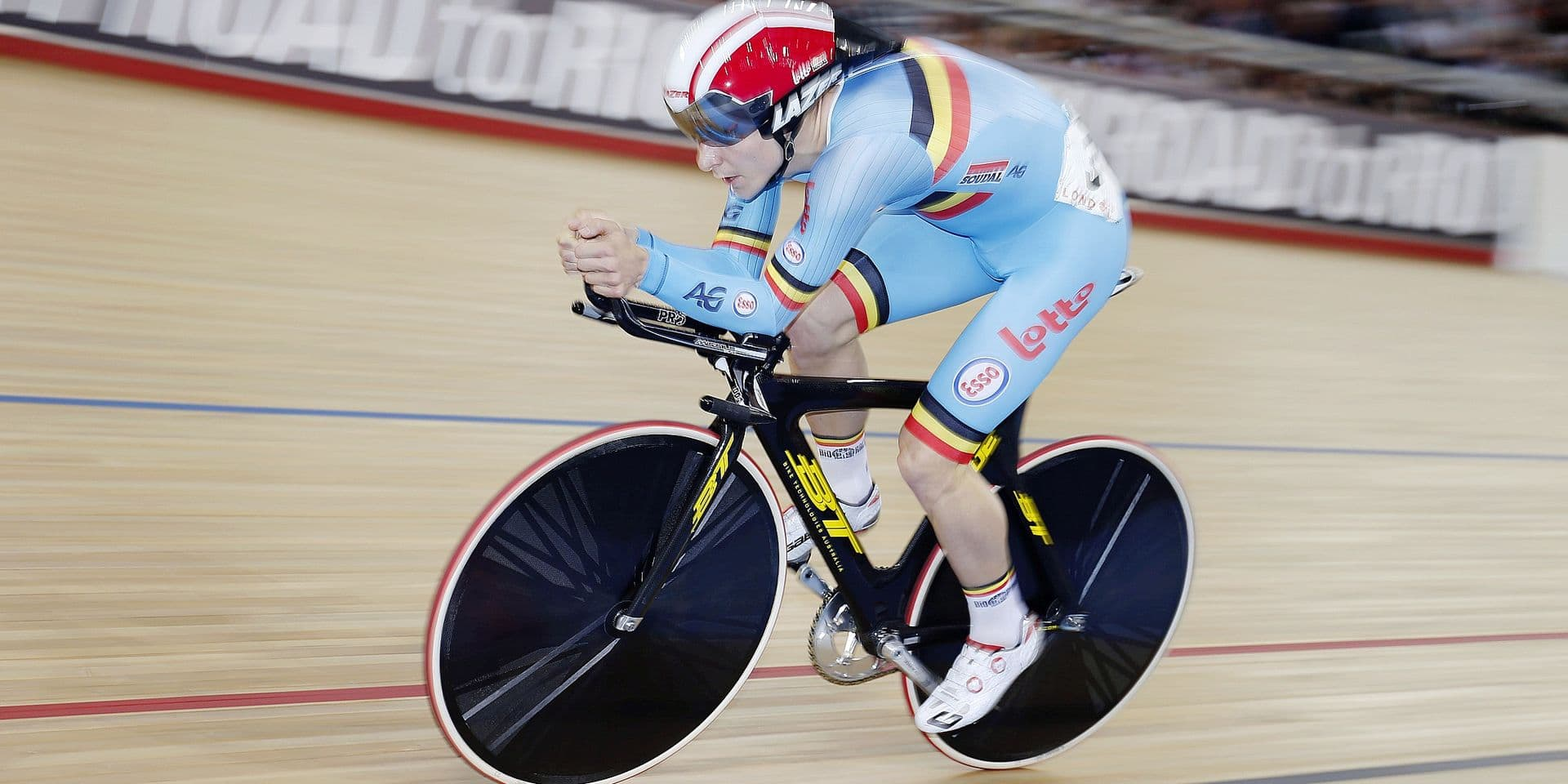 Belgian Jasper De Buyst pictured in action during the Men Omnium Individual Pursuit race at the UCI Track Cycling World Championships in London, Friday 04 March 2016. The championship starts on the 2nd and ends on the 6th of March. BELGA PHOTO YUZURU SUNADA