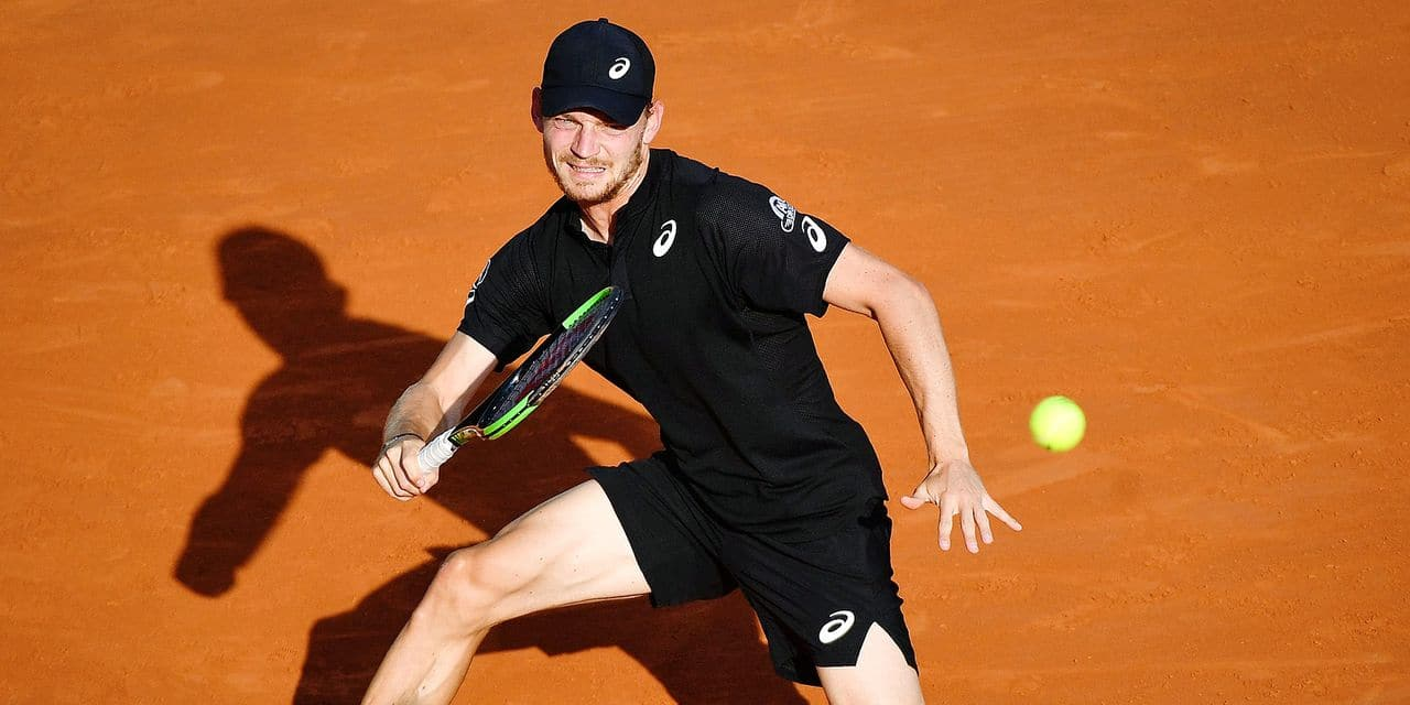 Belgium's David Goffin eyes the ball before playing a return to Serbia's Dusan Lajovic during their tennis match on the day 5 of the Monte-Carlo ATP Masters Series tournament on April 17, 2019 in Monaco. (Photo by Yann COATSALIOU / AFP)