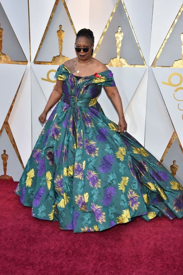 Whoopi Goldberg colorée en           Christian Siriano