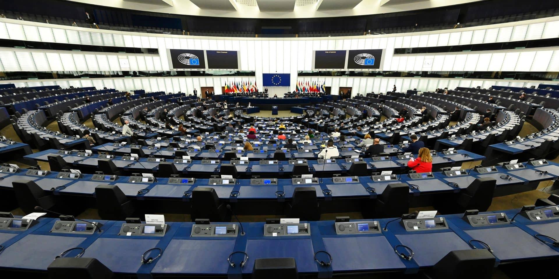 Le Parlement européen donne son feu vert final au certificat Covid