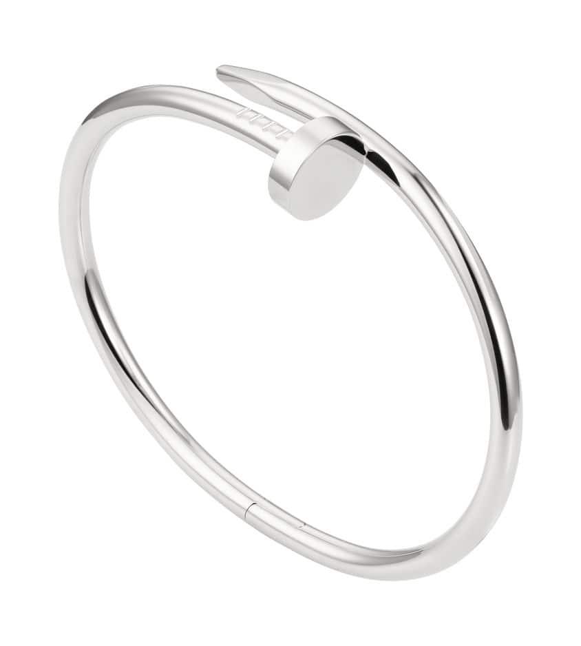 Collection Juste un clou de                                 Cartier, flexible, unisexe, et proposés en plusieurs modèles. Ici un bracelet or gris. A partir de 2100€.