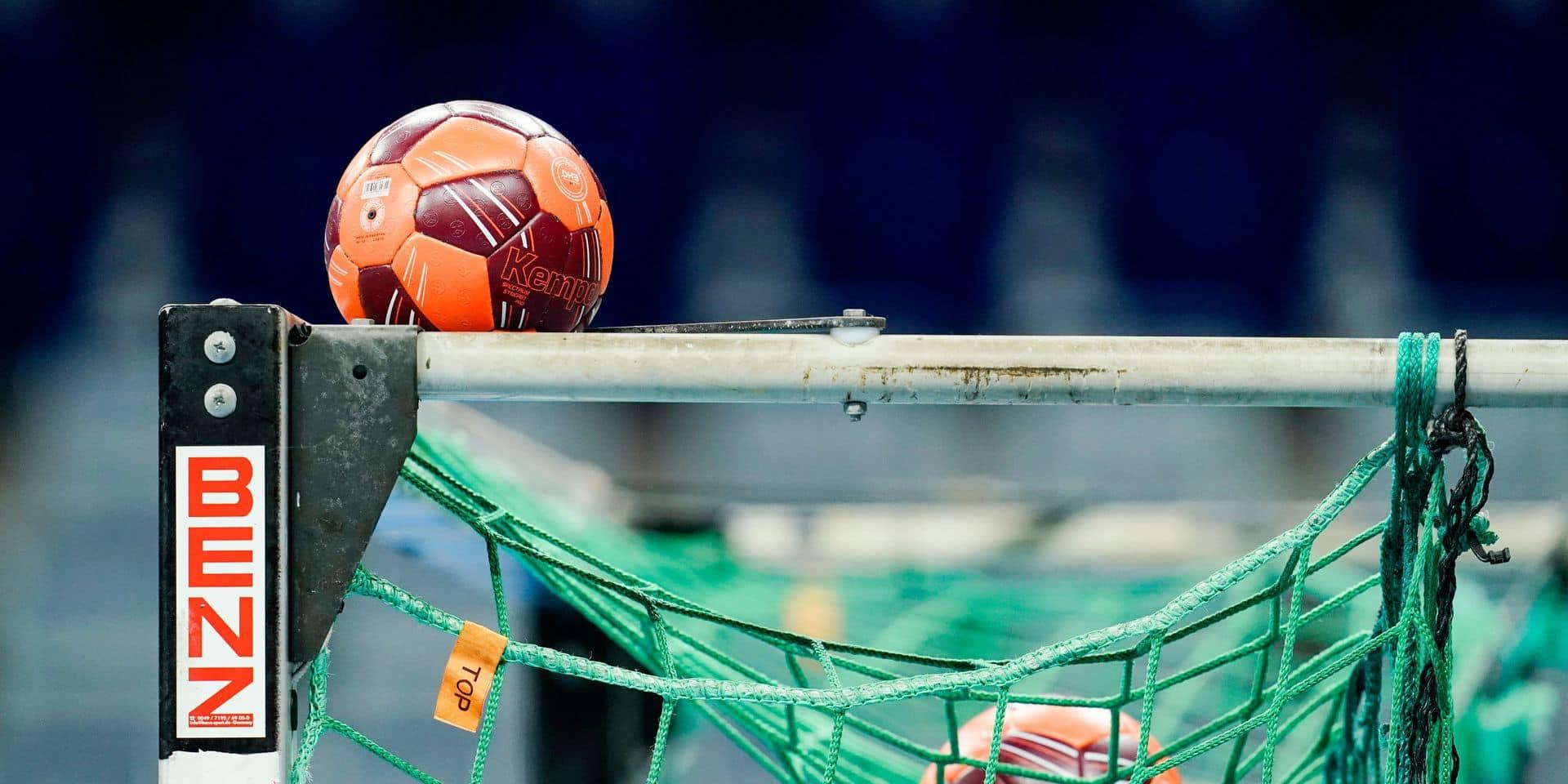 Des handballeurs espagnols obligés de porter un masque buccal pendant un match