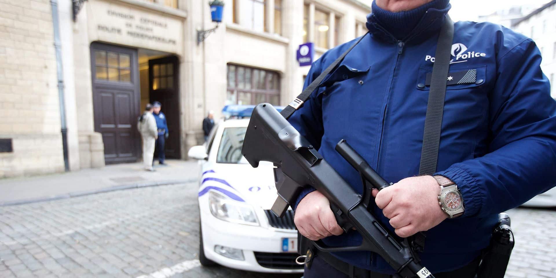 """Bientôt des gardes privés pour protéger les policiers ? """"Trop cher!"""""""
