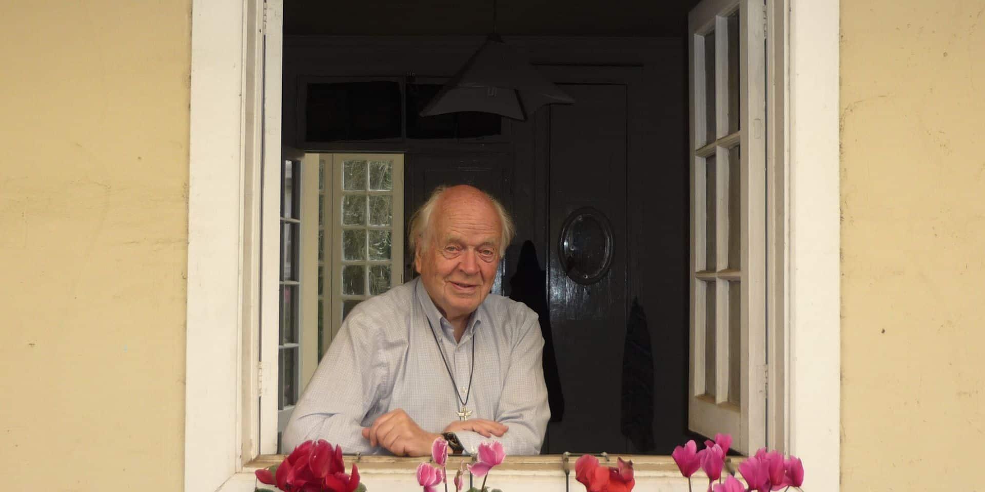 Josse van der Rest, ce prêtre belge qui a aidé des millions de personnes à se loger aux quatre coins du monde