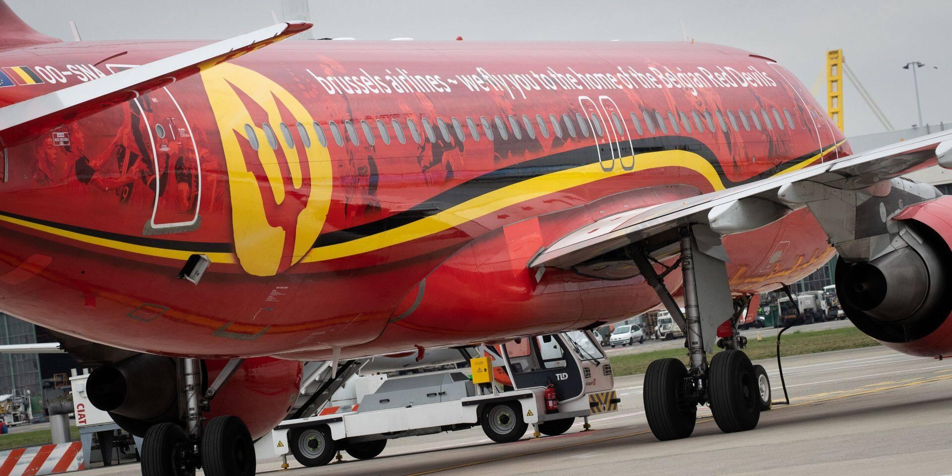 Brussels Airlines, explique avoir fait plusieurs propositions à la Fédération belge de football, dont la mise à disposition du Trident, un Airbus A320 peint aux couleurs des Diables rouges.