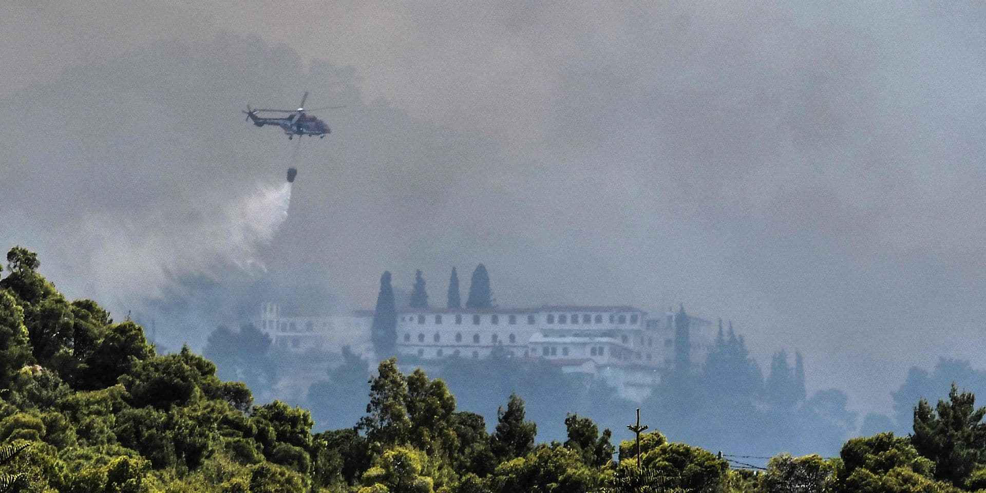 Grèce: des villages évacués lors du premier feu de forêt important de l'année