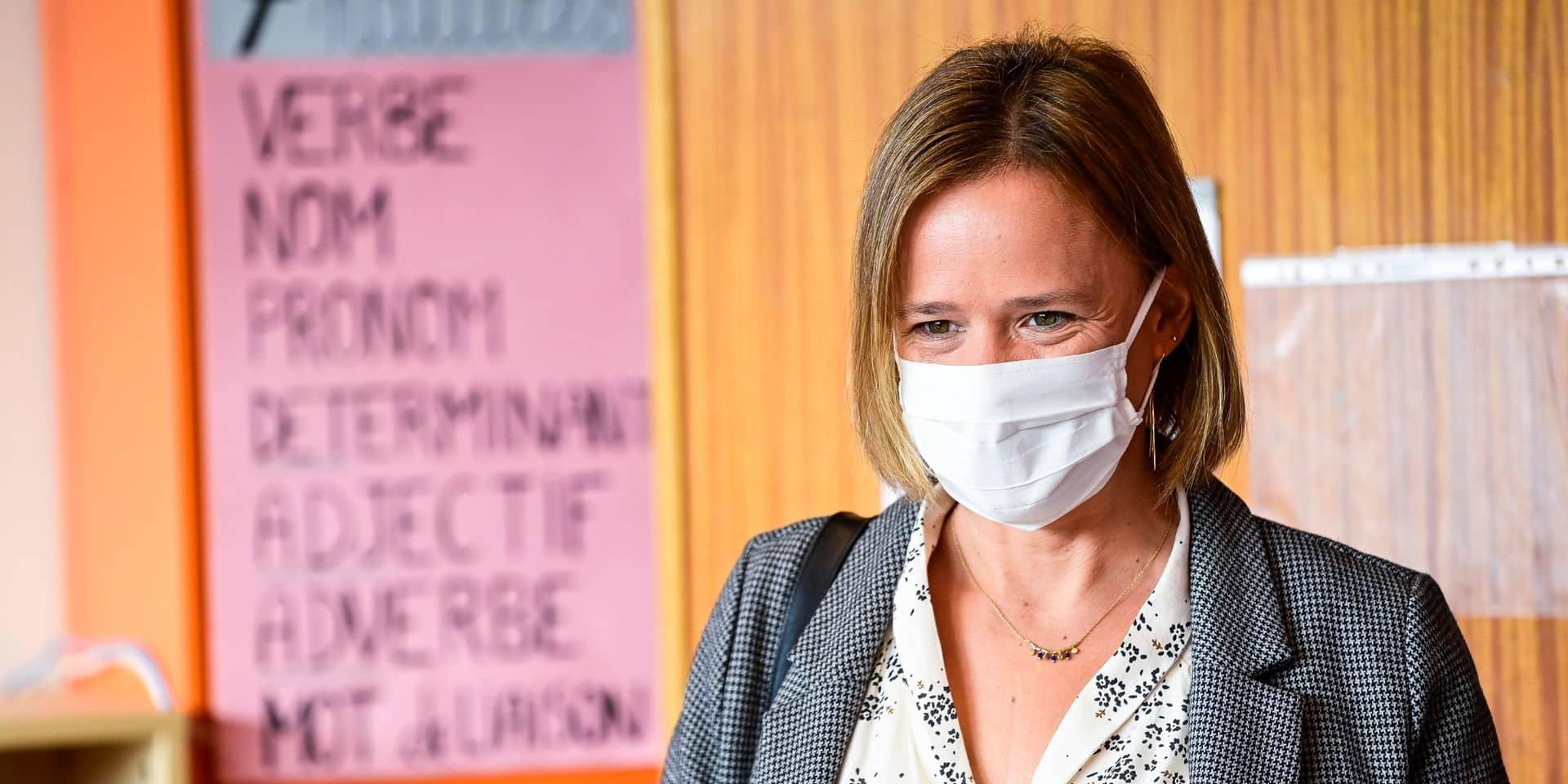 La proposition de Caroline Désir suffira-t-elle à remplacer les professeurs absents? Les écoles en doutent