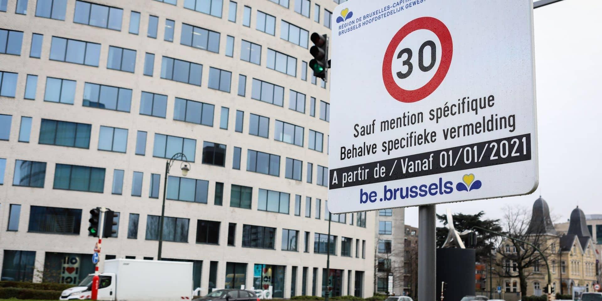 Une cinquantaine de personnes manifestent contre la zone 30 à Bruxelles