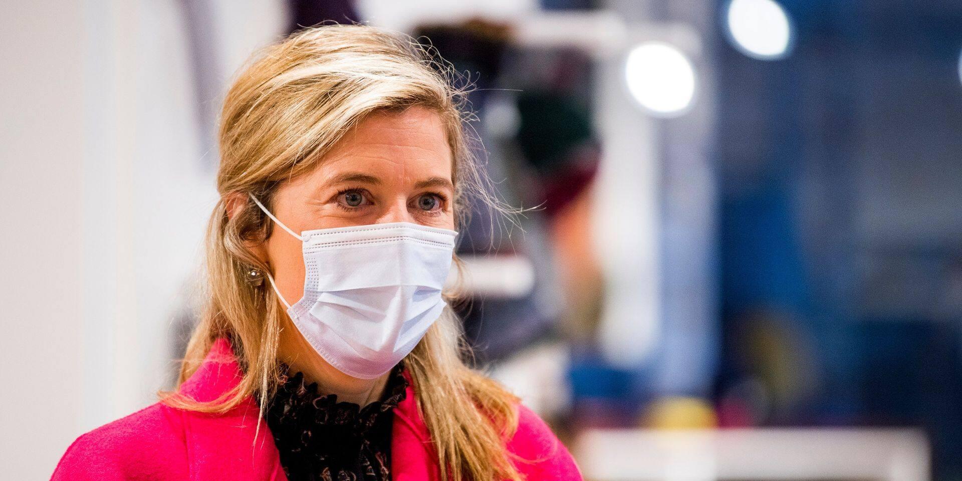 Annelies Verlinden rappelle à l'ordre sur les mesures sanitaires: les étudiants qui kottent ensemble sont considérés comme un ménage