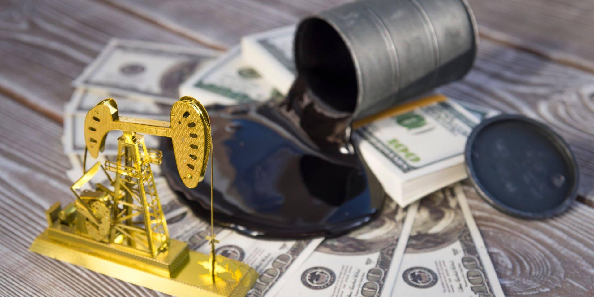 Le club des 23 producteurs laisse chaque jour quelque sept millions de barils sous terre, et ajuste ce volume mois après mois.