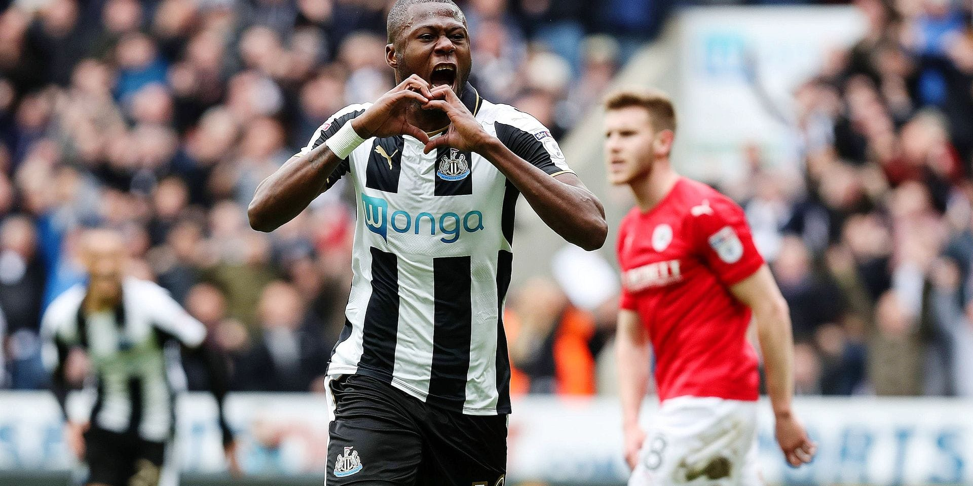 Chancel Mbemba of Newcastle United celebrates scoring his teams second goal of the game during the EFL Championship match at St James Park Stadium, Newcastle upon Tyne. Picture date: May 7th, 2017. Pic credit should read: Jamie Tyerman/Sportimage PUBLICATIONxNOTxINxUK Chancel Mbemba of Newcastle United Celebrates Scoring His Teams Second Goal of The Game during The EFL Championship Match AT St James Park Stage Newcastle UPON Tyne Picture Date May 7th 2017 Pic Credit should Read Jamie Tyerman Sportimage PUBLICATIONxNOTxINxUK