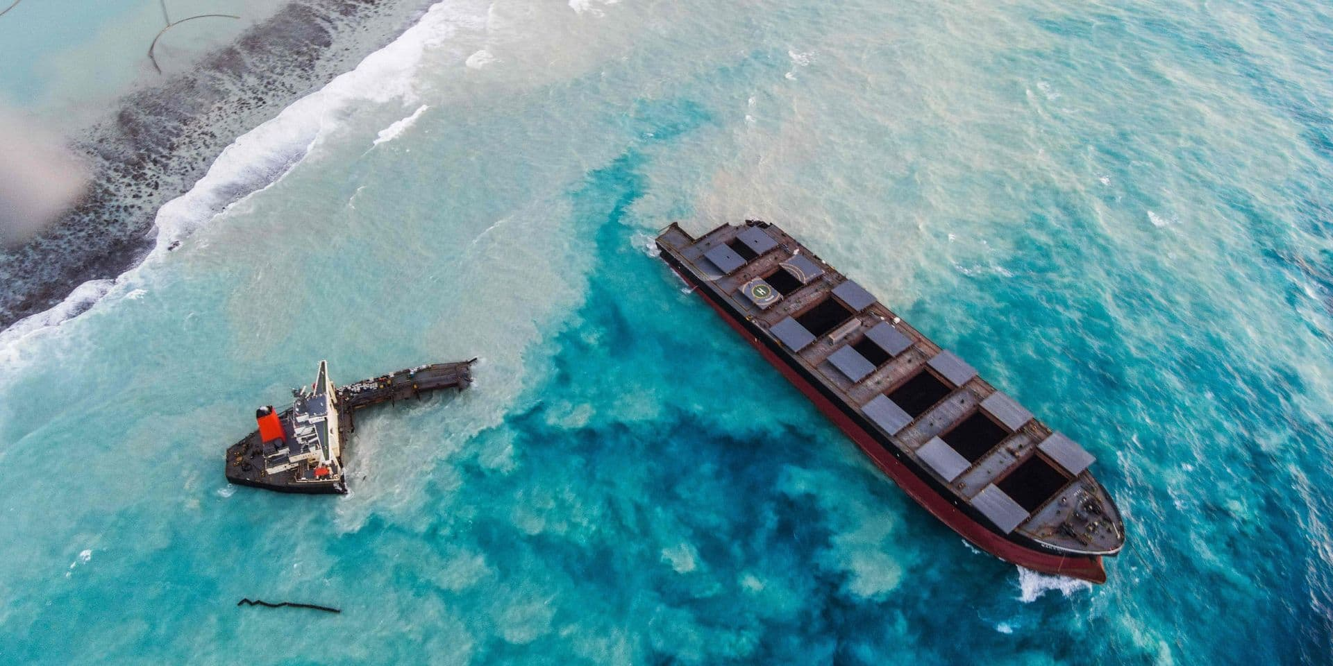 Maurice: la majeure partie de l'épave ayant provoqué une marée noire a été coulée au large avec succès