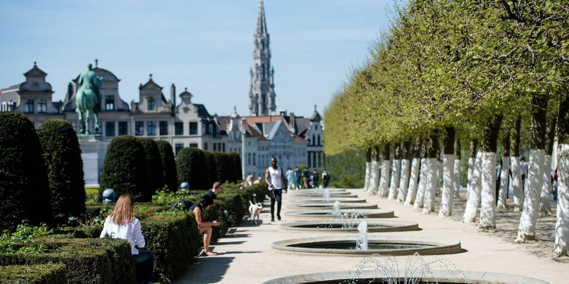 """Des dizaines d'organisations à Bruxelles pour réclamer une """"nouvelle normalité"""": """"Une société au service des gens et pas au service des dividendes"""""""