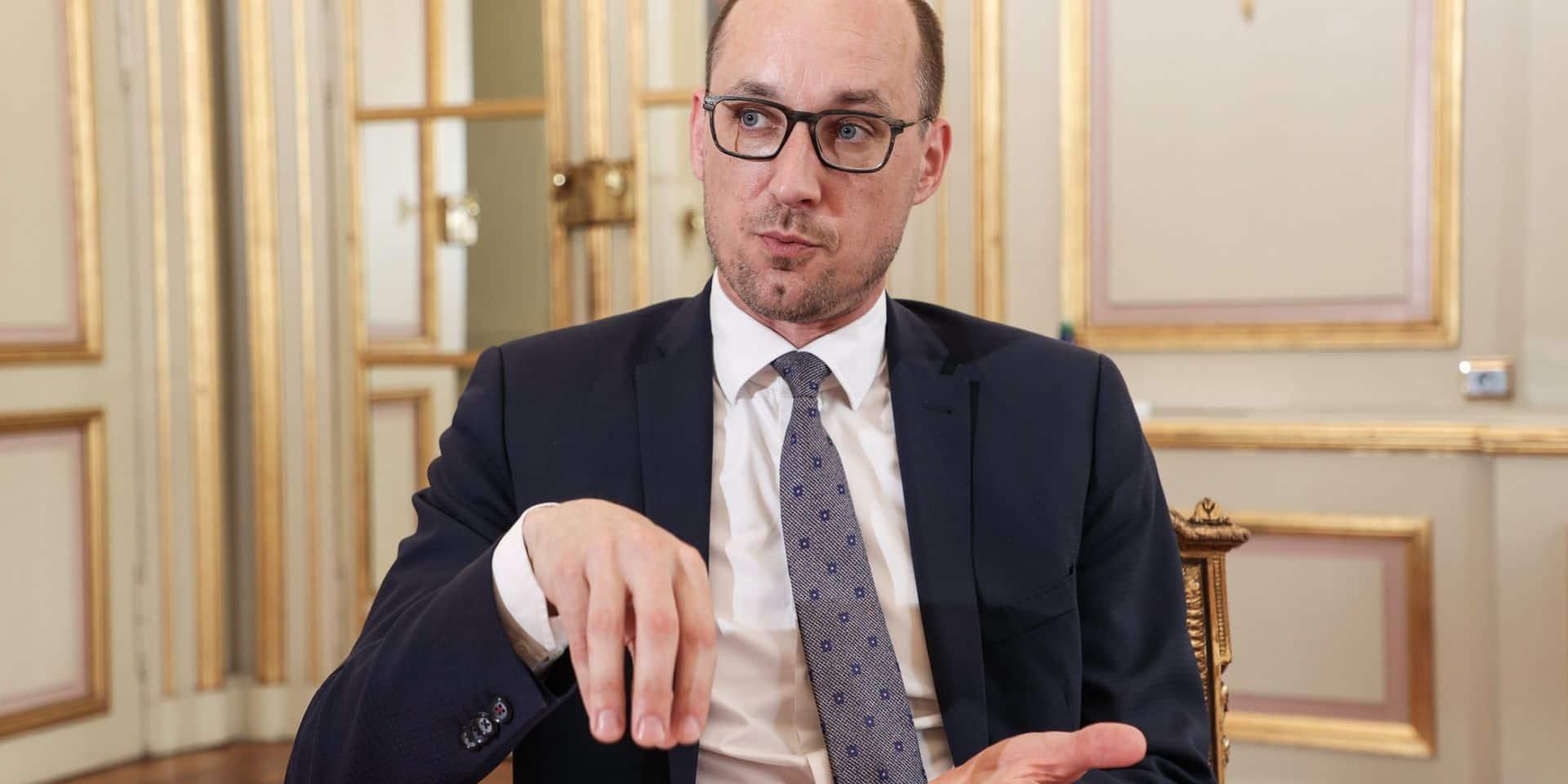 """Vincent Van Peteghem, ministre des Finances : """"Les agents du fisc participeront aux procédures judiciaires"""""""
