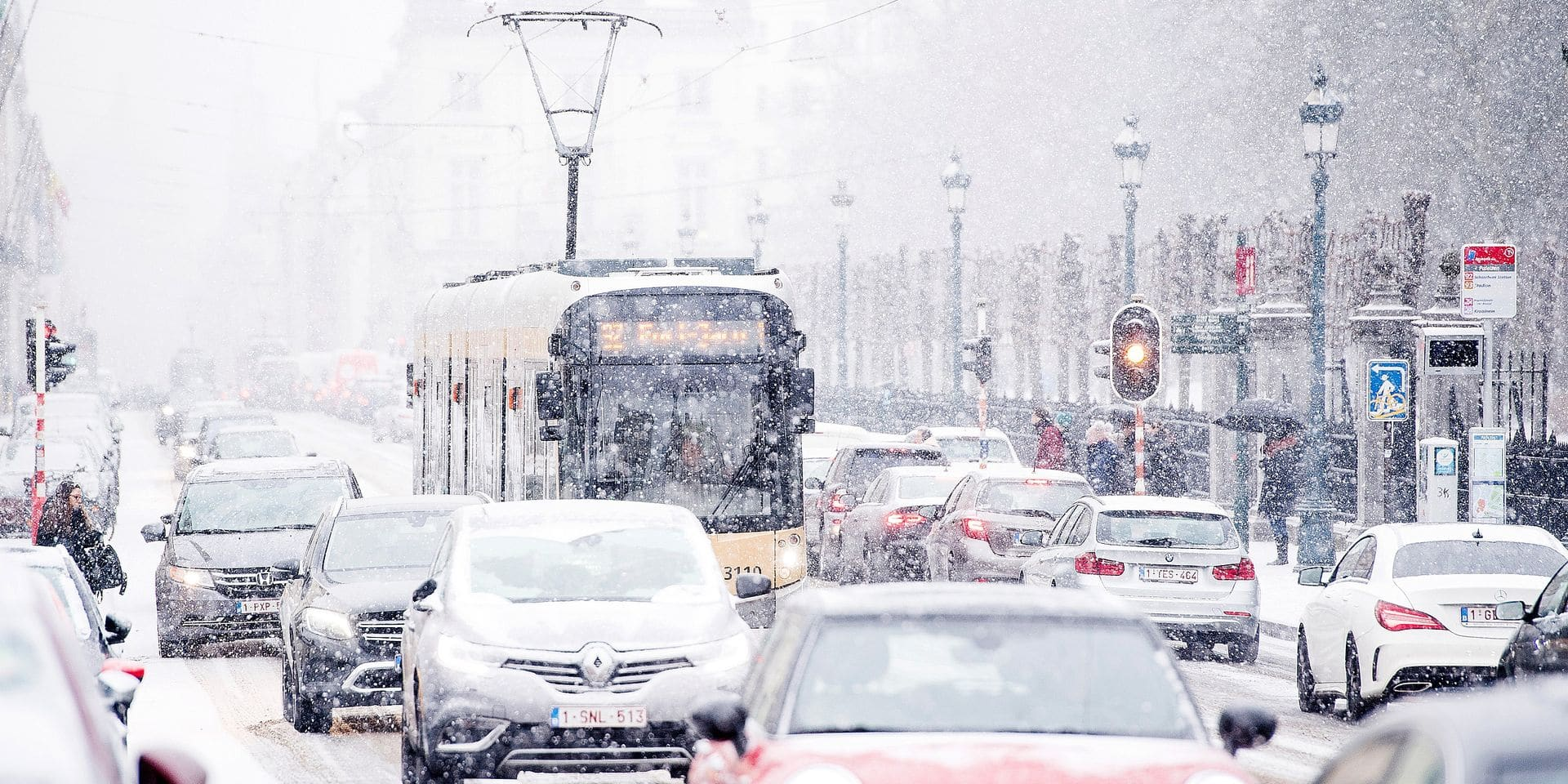 Illustration picture shows snow in the center of Brussels, Friday 02 March 2018. A snow front is making its way across Belgium. The Royal Meteorological Institute has issued a code orange weather warning. Slippery conditions are expected on roads across the country this afternoon. BELGA PHOTO JASPER JACOBS