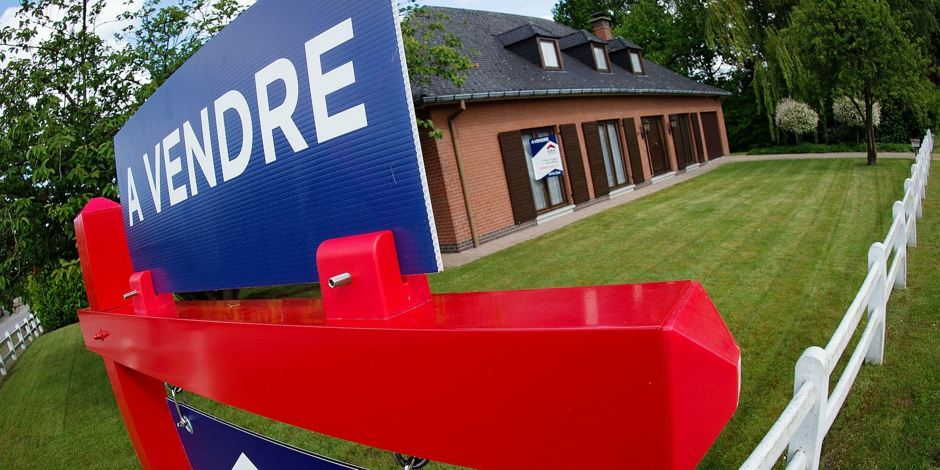 Immobilier: vendre à un prix plus élevé que celui annoncé, est-ce légal ?