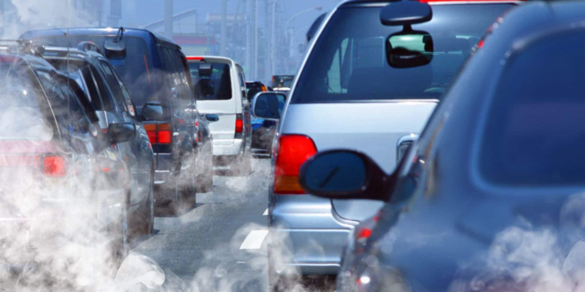 La pollution automobile n'émane pas que des pots d'échappement: le message d'alerte de l'OCDE