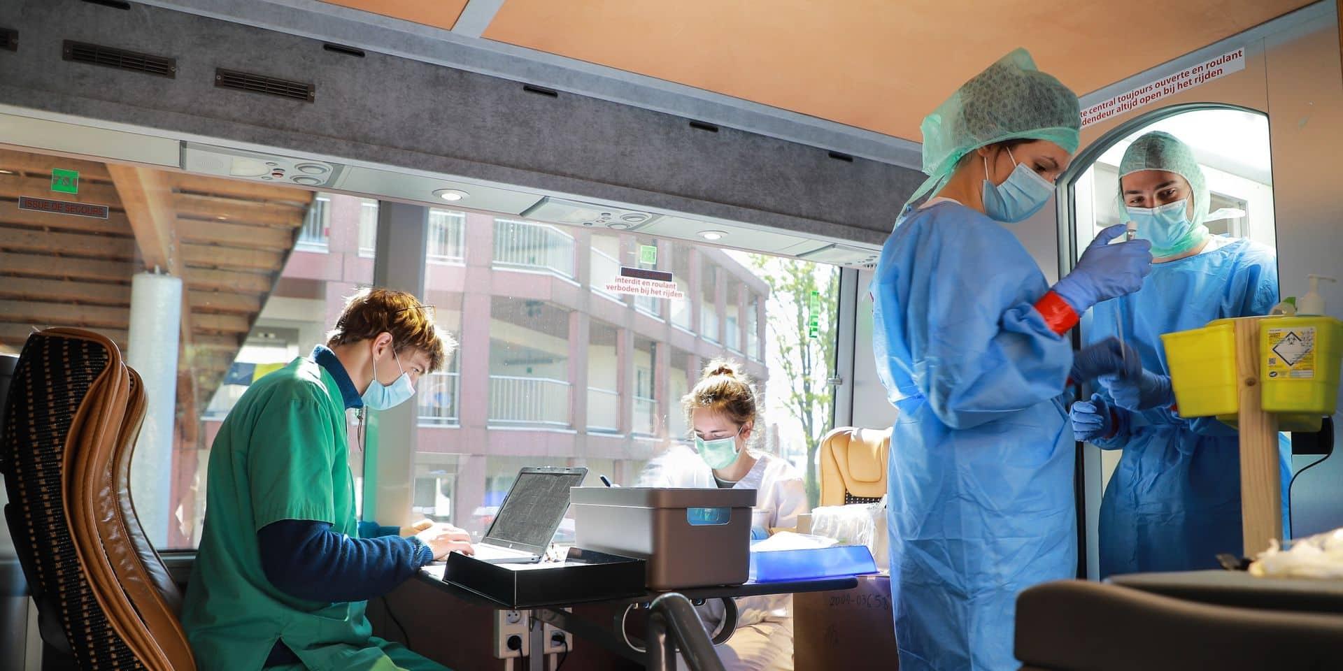 Coronavirus en Belgique: avec 220 nouvelles contaminations en moyenne par jour, la tendance à la hausse se poursuit