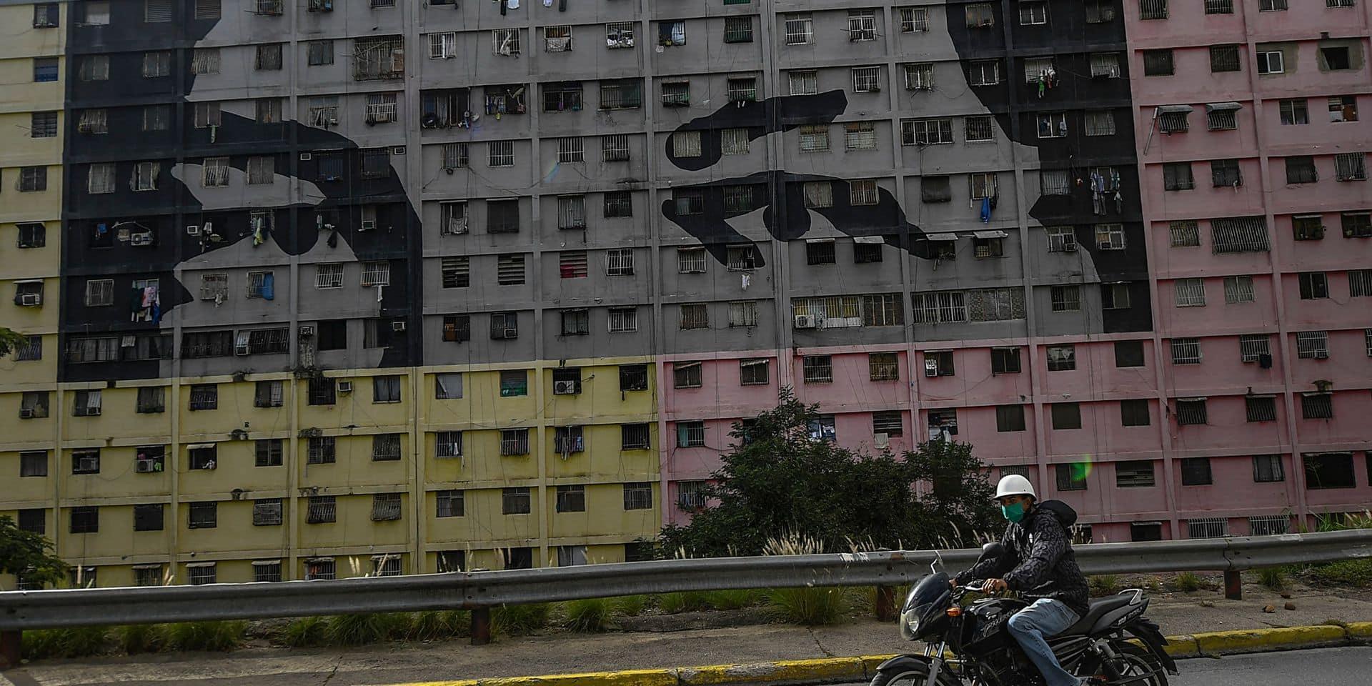 Au Venezuela, 27 partis d'opposition vont boycotter les législatives