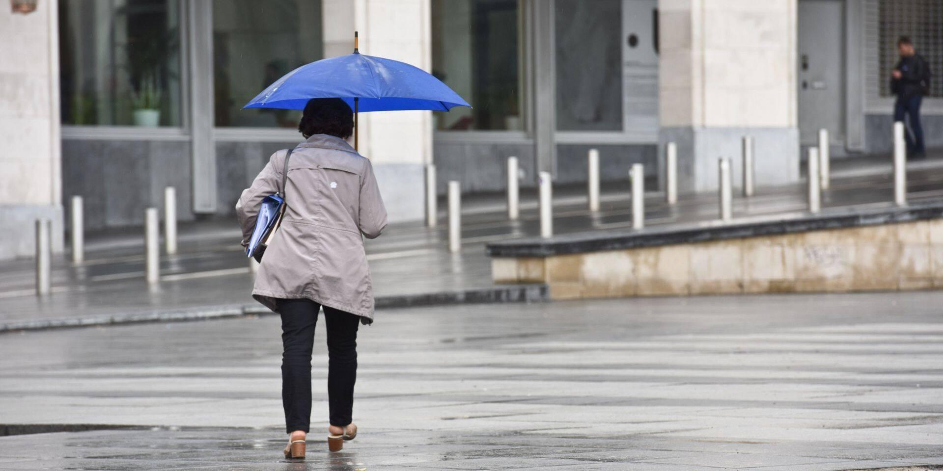 La Belgique touchée par de fortes pluies: trois provinces placées en alerte jaune