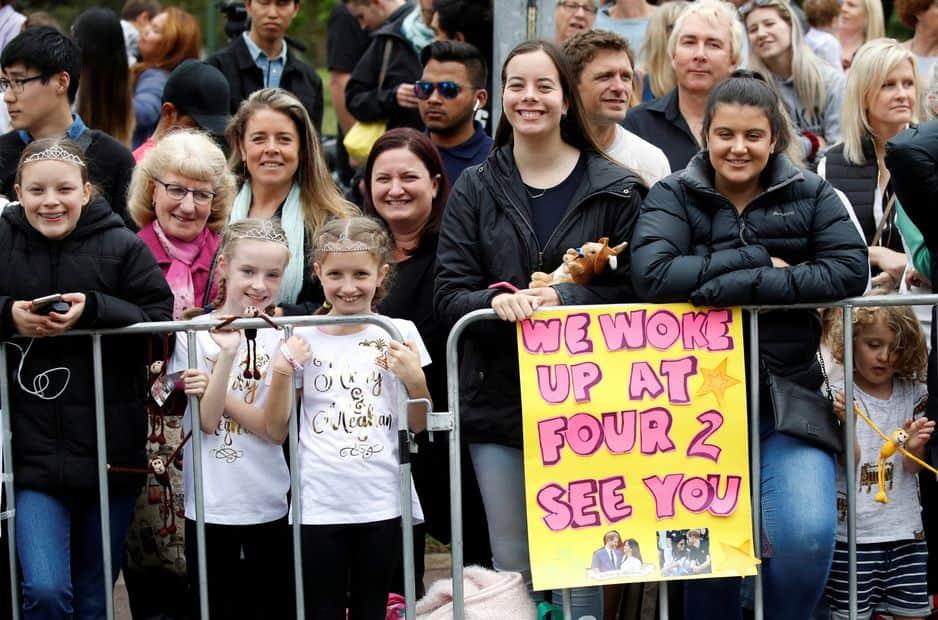 Des milliers de personnes ont attendu des heures pour avoir la chance d'apercevoir le couple venu de Londres en voyage officiel.