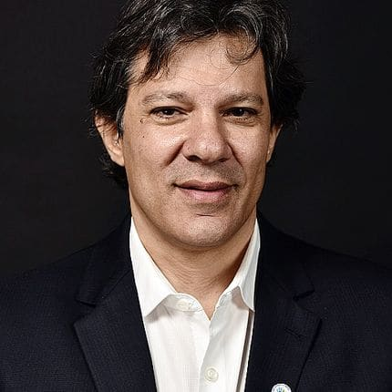 Brazilian Fernando Haddad, Mayor of Sao Paulo, poses for a protait for AFP during a Mayors C40 Summit 2016 in Mexico city on December 1, 2016. / AFP PHOTO / OMAR TORRES