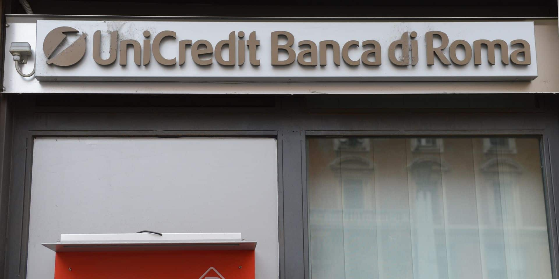Unicredit va répercuter l'impact des taux négatif en taxant les dépôts bancaires de plus de 100.000 euros
