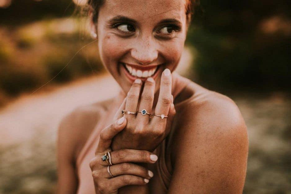 Une petite marque belge de bijoux de luxe vient de voir le jour. Les créations de                         Elliot Ostrich sont en or 18 carats et les pierres sont toutes choisies avec soin par la gemmologue experte dans l'art des diamants et des pierres précieuses, Jennifer Elliot. A découvrir, entre 500 et 2500€.