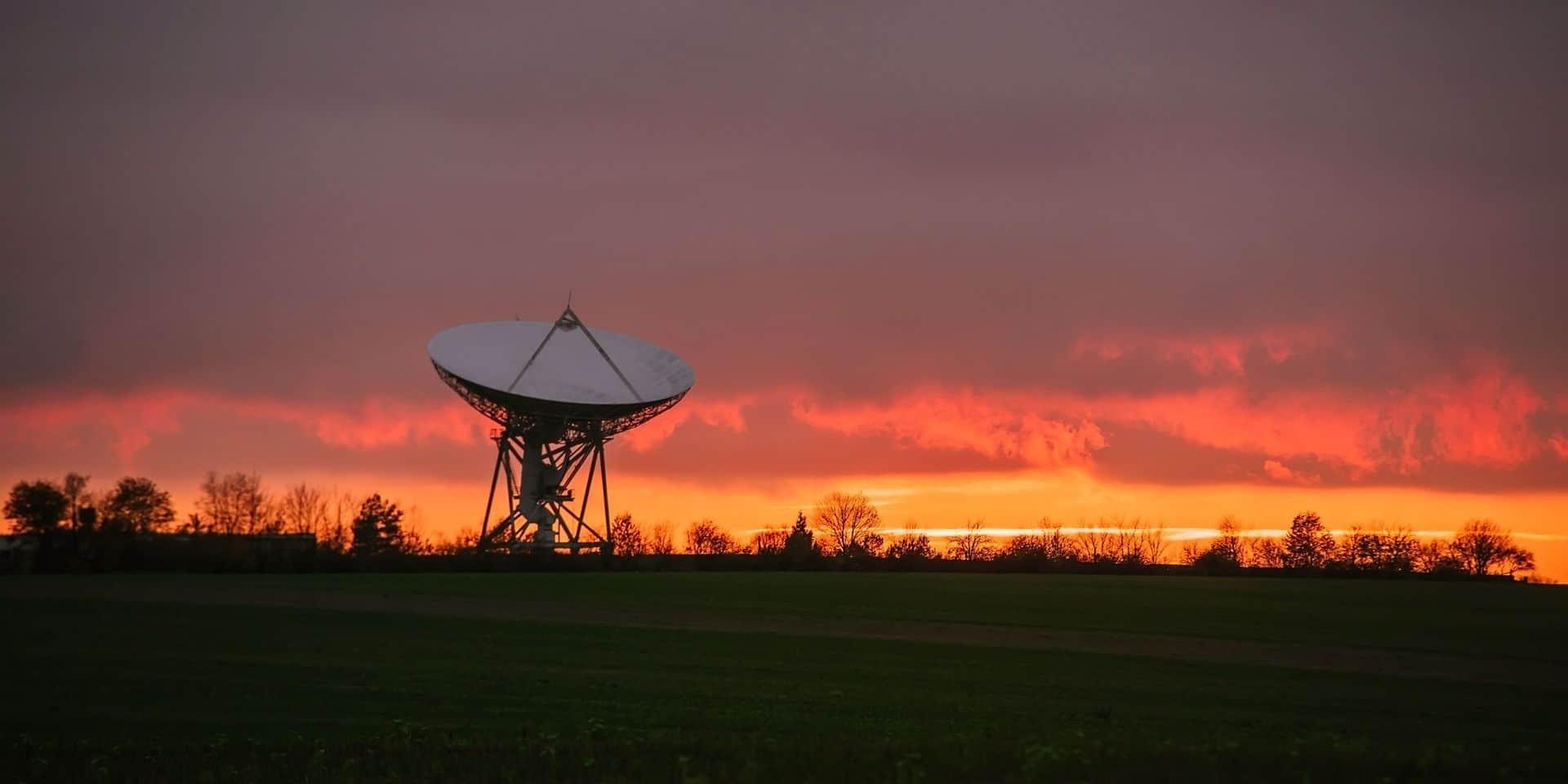 Starlink : un village français refuse le permis de construire pour les antennes d'Elon Musk