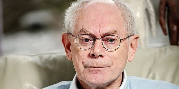 L'état de la démocratie en Europe vous fait-il peur ? C'est l'une des questions qu'Eddy Caekelberghs a posé à Herman Van Rompuy. Dans Au bout du jour, le politique flamand (CD&V) et ancien président du Conseil européen a présenté son dernier livre, et abordé les thématiques de la démocratie, de la montée des extrêmes et de l'ambition européenne.