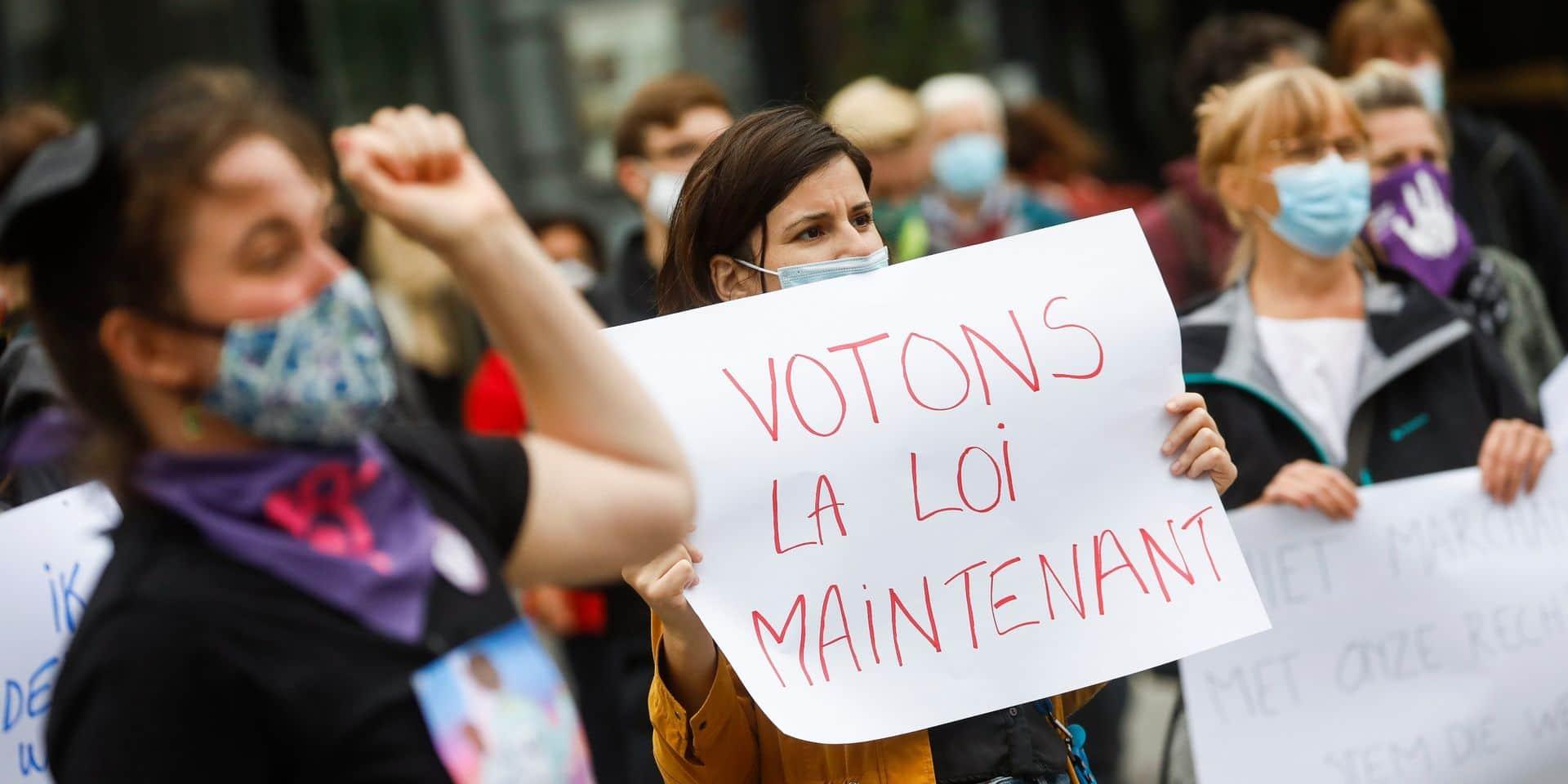 Dépénalisation de l'avortement: le Centre d'action laïque appelle à manifester devant les Palais de justice du pays lundi