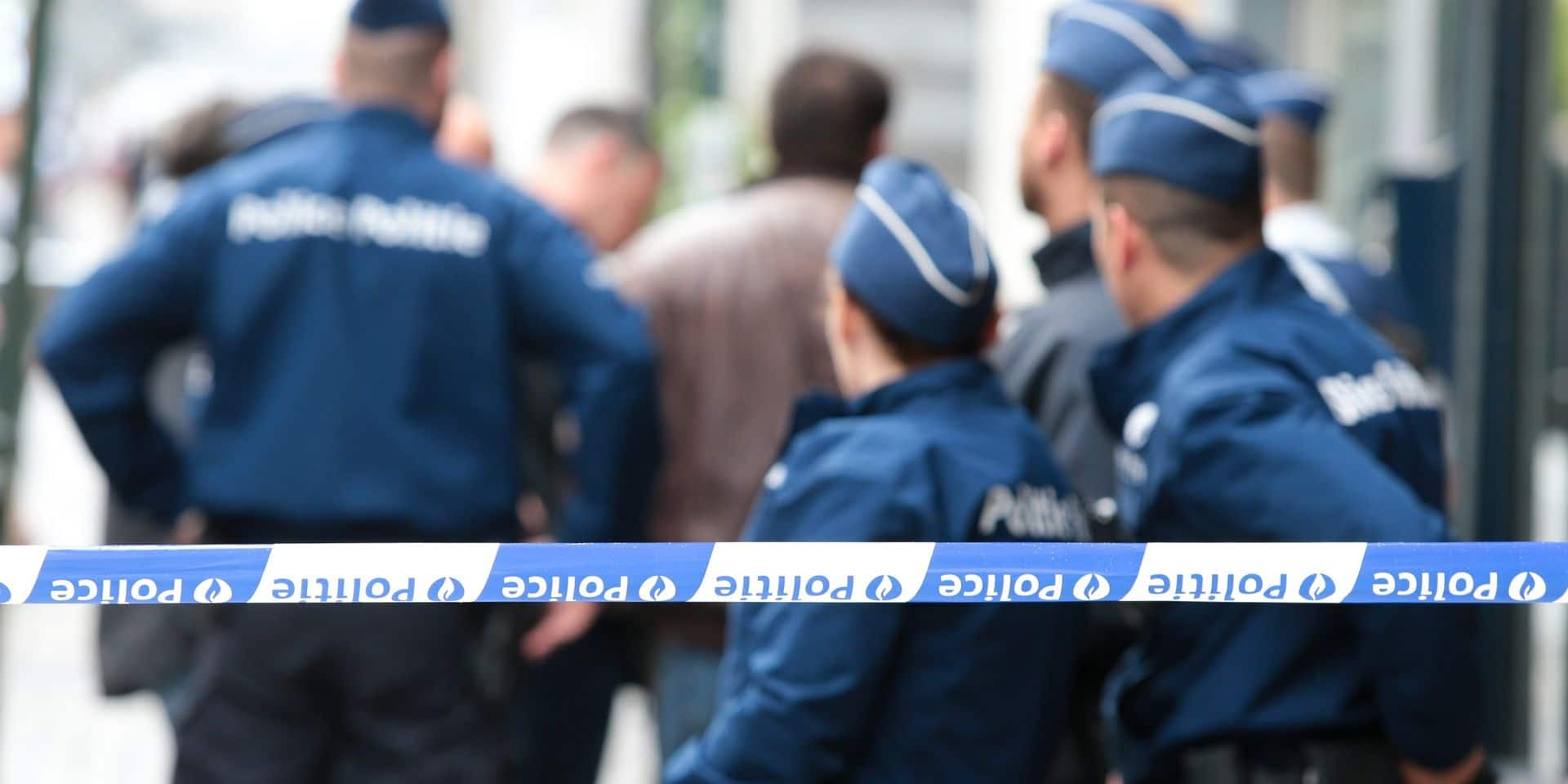 La police met fin à une soirée d'une centaine de personnes dans un bar à chicha d'Anderlecht