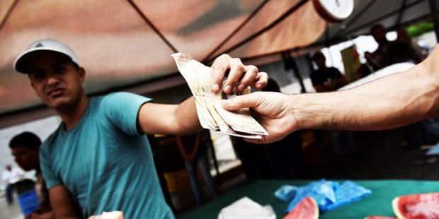 Le salaire minimum au Venezuela atteint? 1 dollar - La Libre