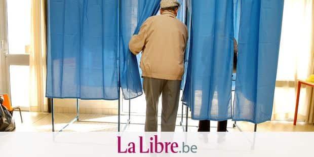 France, Pays de la Loire, Loire-Atlantique, Nantes, polling station (2007 presidential election) Model release : not available or not applicable Property release : not available or not applicable Alain Le Bot / Photononstop / Reporters Ref : 772915
