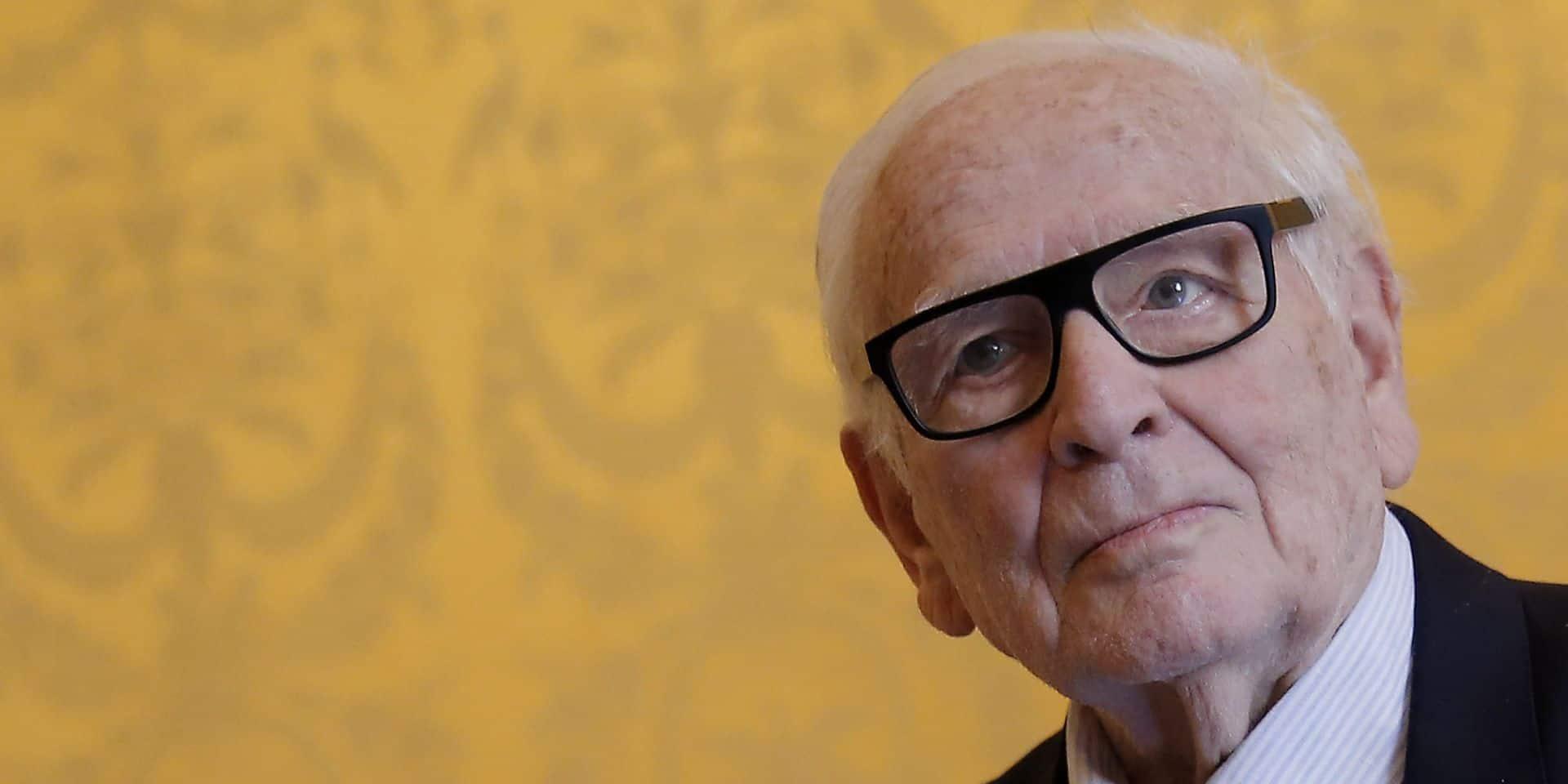 """Pierre Cardin: """"le plus vieux des couturiers"""" prépare sa succession"""
