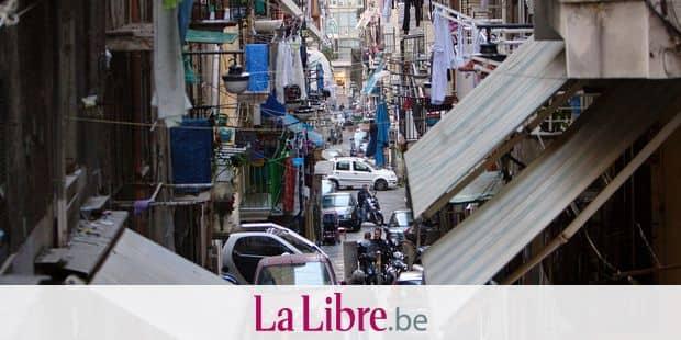 narrow streets in spagnoli area of Naples Reporters / DPA