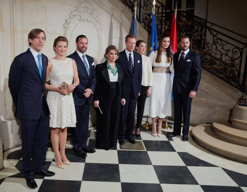 Au musée Rodin, les princes Louis, Stéphanie, Guillaume, Alexandra Claire et Félix.
