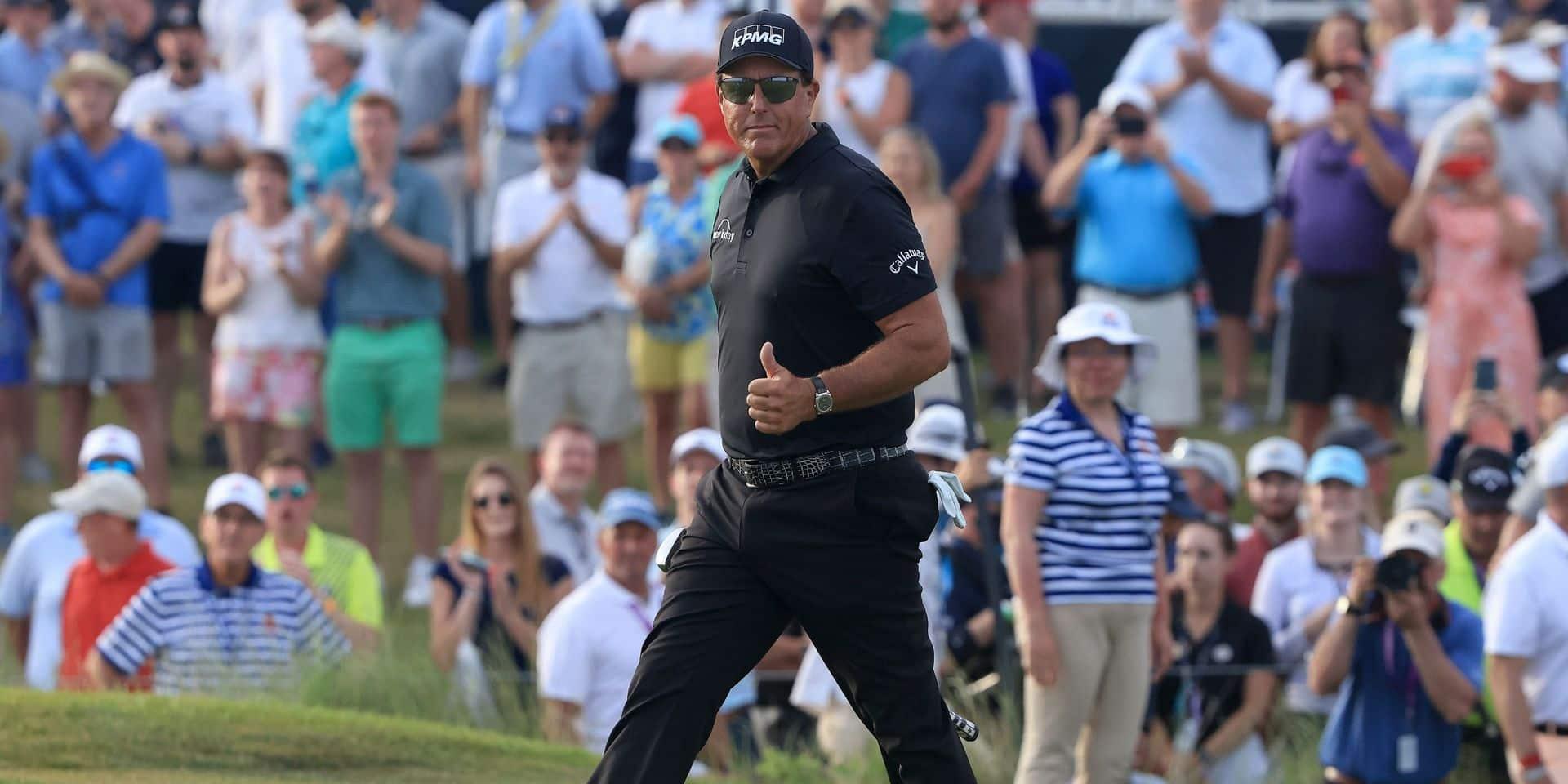 PGA Championship : Mickelson tient bon!