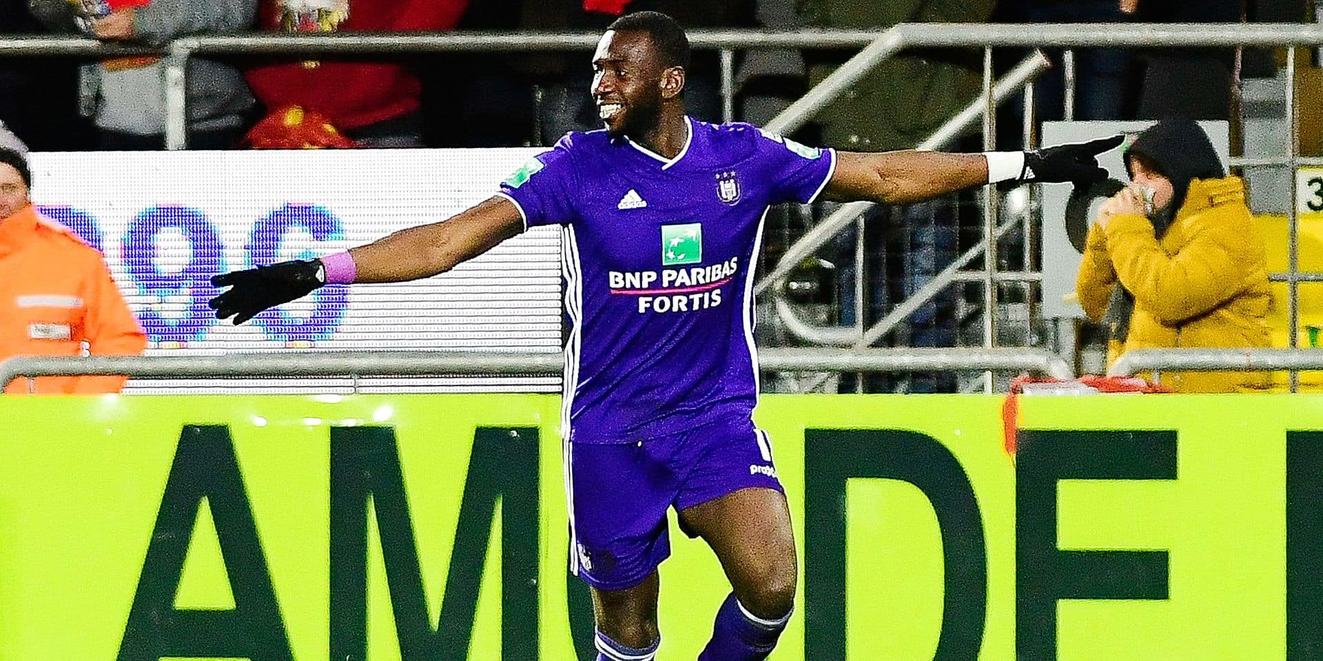 Anderlecht's Yannick Yala Bolasie celebrates after scoring during a soccer game between KV Oostende and RSCA Anderlecht, Sunday 17 March 2019 in Oostende, on the 30th day of the 'Jupiler Pro League' Belgian soccer championship season 2018-2019. BELGA PHOTO LAURIE DIEFFEMBACQ