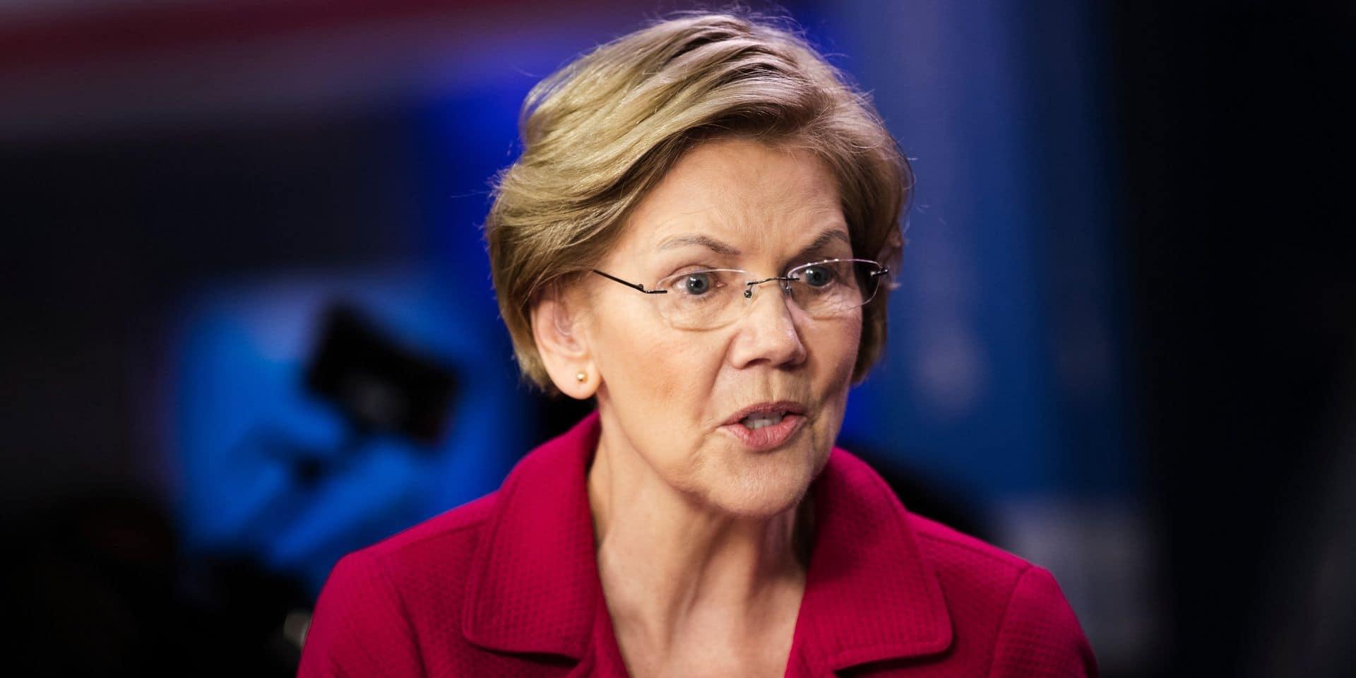 """Elizabeth Warren envisage elle aussi de """"réévaluer"""" sa candidature"""