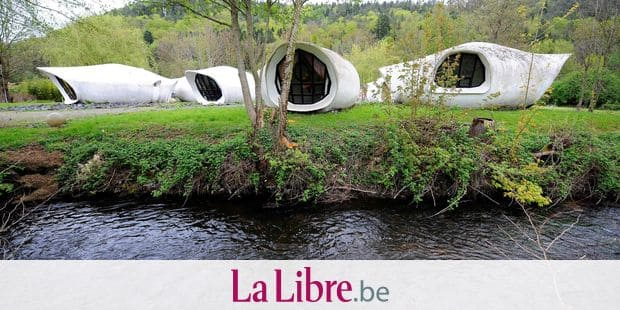 "(FILES) In this file photo taken on April 27, 2019 in Raon l'Etape, eastern France, shows a view the Museuhotel (1967), ""bubble houses"" designed by Swiss architect Pascal Hausermann (1936-2011) initially named ""Hotel Thierry, l'eau vive"" and classified ""Monuments historiques"" in 2014. - The sale of the bubble houses of the Swiss architect Pascal Haüsermann, adjudged to Christophe Pechet at 120,000 euros during an auction on May 3, 2019, was relaunched after three bids over the ten-day legal deadline, according to concordant sources on May 14, 2019. (Photo by JEAN-CHRISTOPHE VERHAEGEN / AFP)"