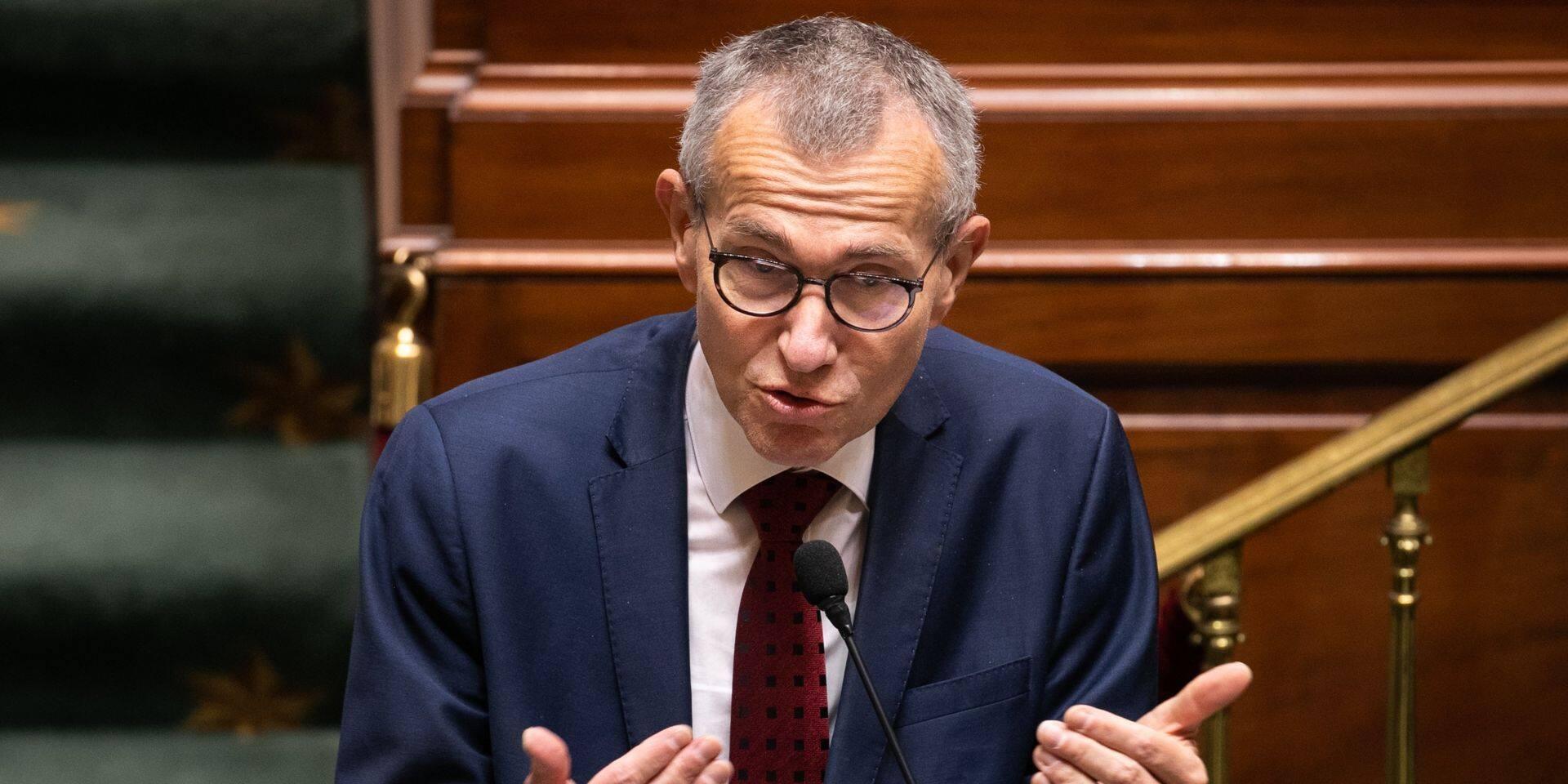 """Frank Vandenbroucke: """"Tous les politiques doivent continuer à soutenir Marc Van Ranst"""""""