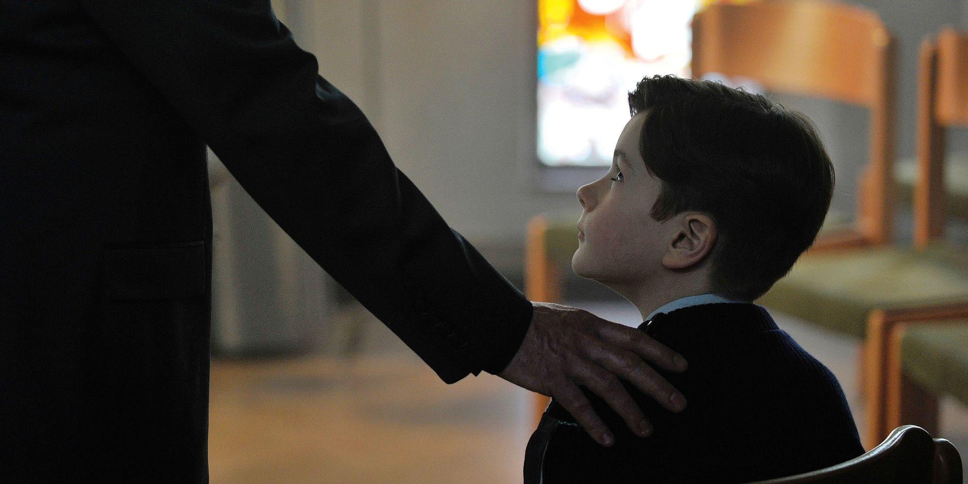 """""""Grâce à Dieu"""": Itinéraires de trois enfants abusés, un chef-d'oeuvre"""