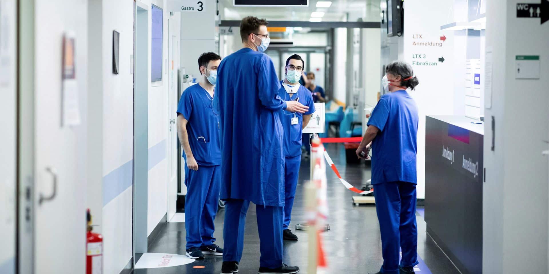 Pourquoi l'Allemagne réussit à limiter le nombre de morts du coronavirus...