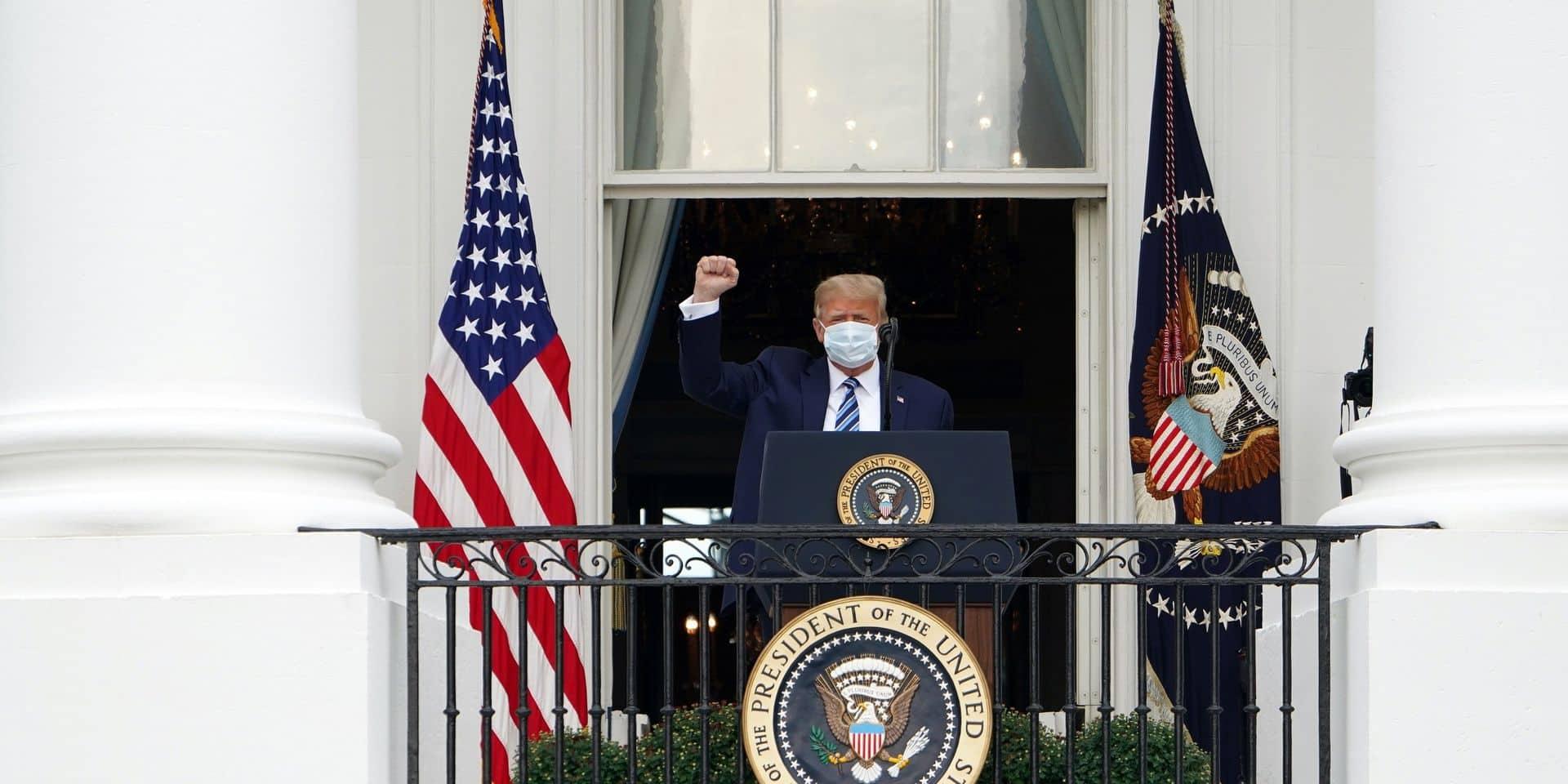 Donald Trump retrouve la foule à la Maison Blanche, avant un meeting en Floride