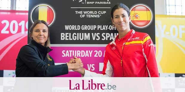 Belgian Kirsten Flipkens and Spanish Garbine Muguruza pose for the photographer at the press conference with the drawing for the Fed Cup World Group play-offs tennis games between Belgium and Spain, Friday 19 April 2019 in Kortrijk. The two teams will meet this weekend. BELGA PHOTO LAURIE DIEFFEMBACQ