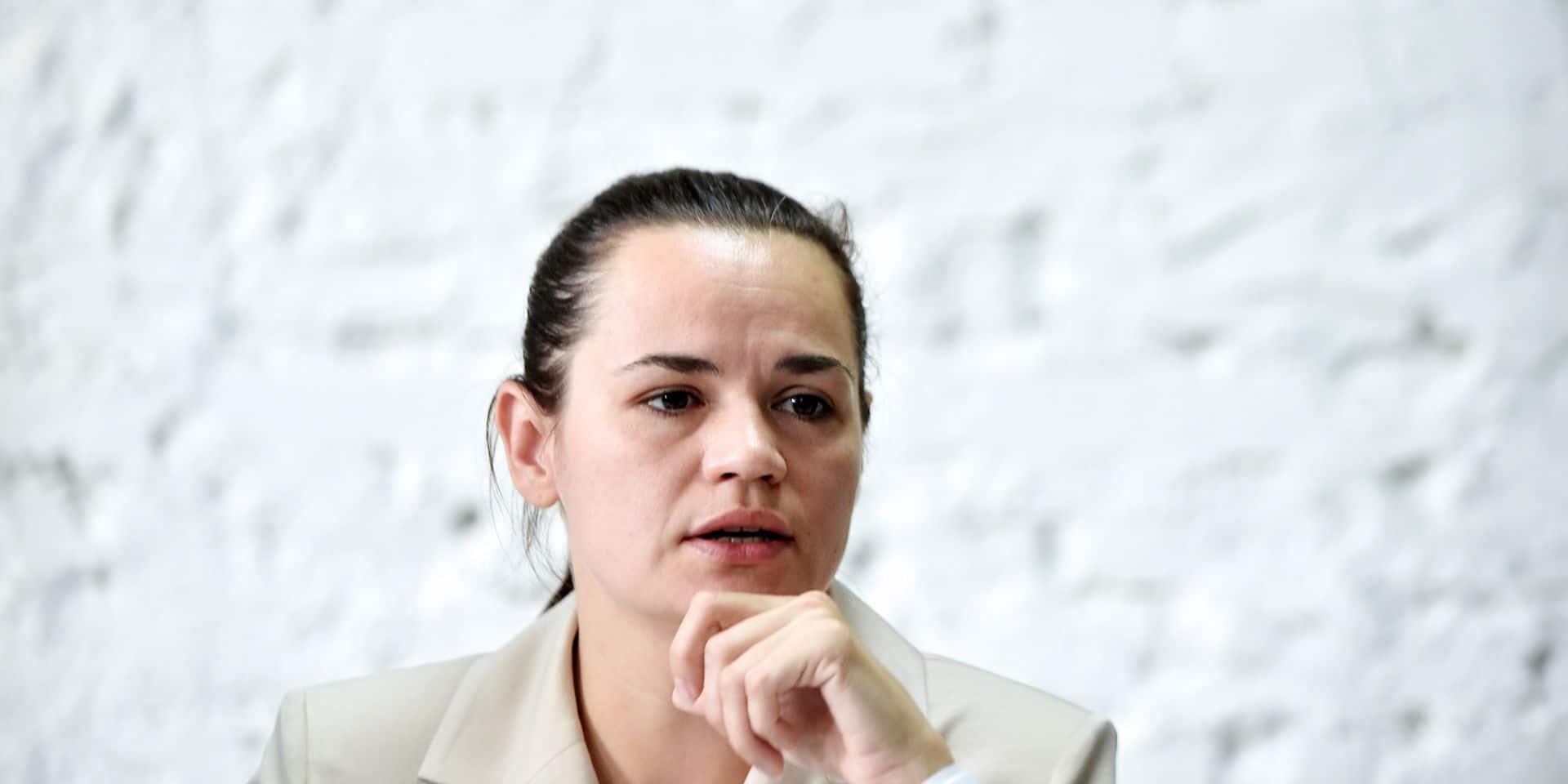 """Présidentielle au Bélarus: l'opposante Tikhanovskaïa se dit prête à devenir le """"leader national"""""""