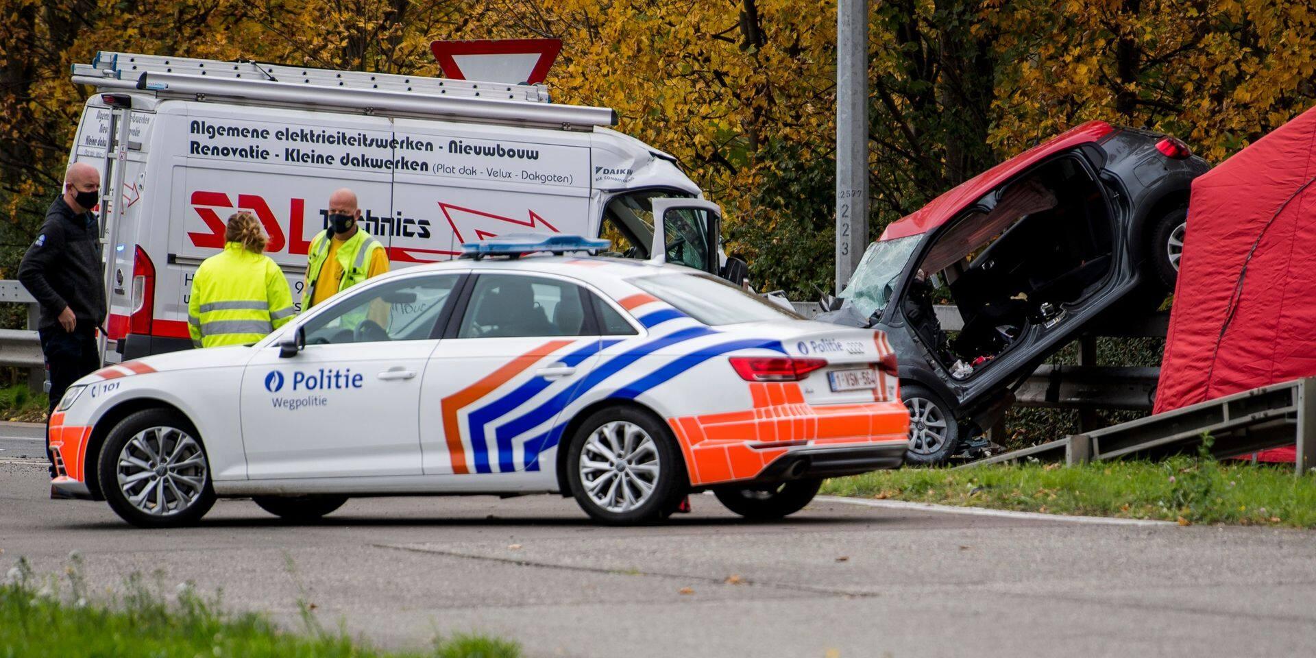 Trois morts après une course-poursuite sur l'E19 à Machelen