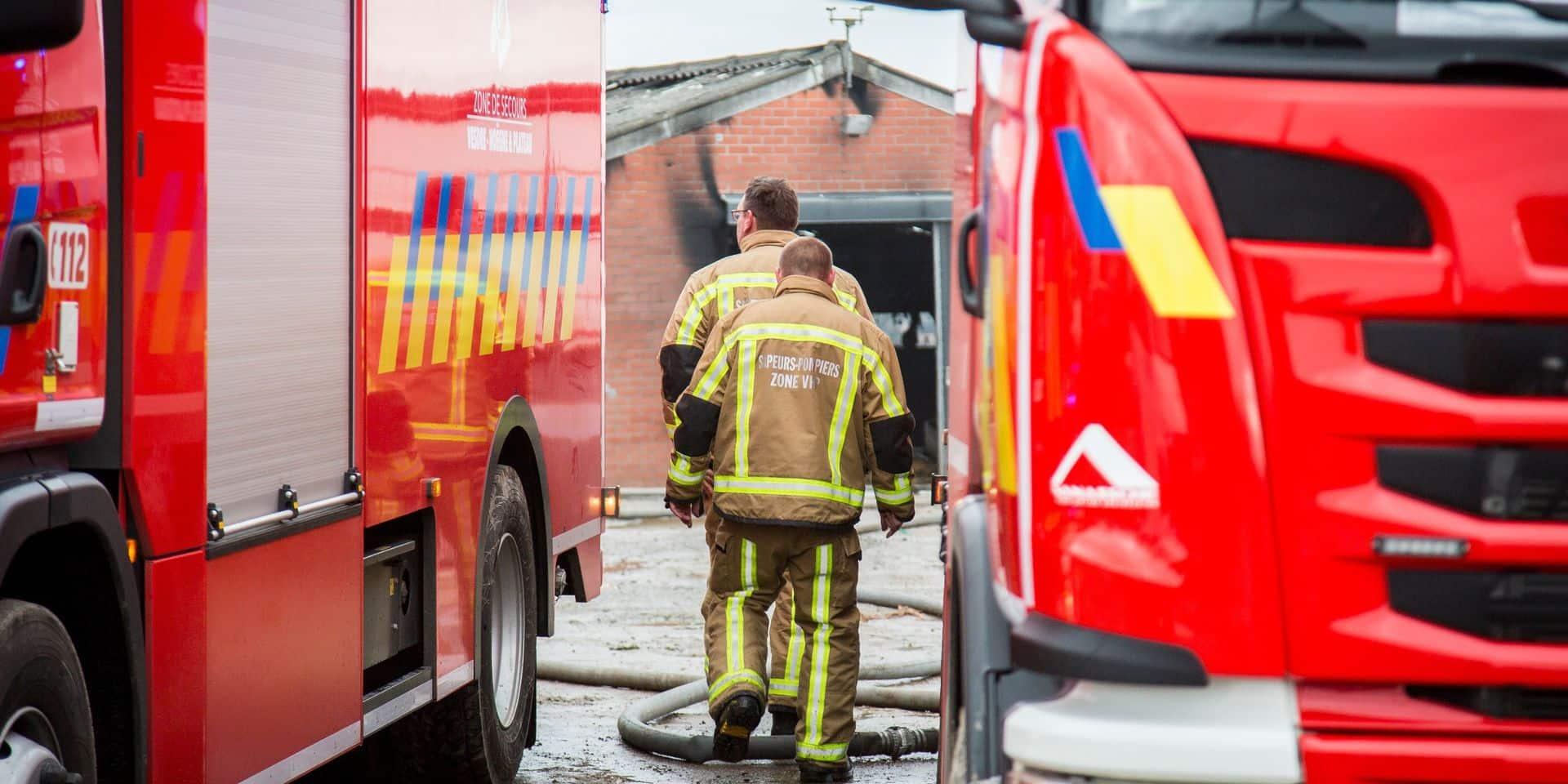 Un automobiliste percute une borne de gaz et provoque une importante fuite à Braine-l'Alleud